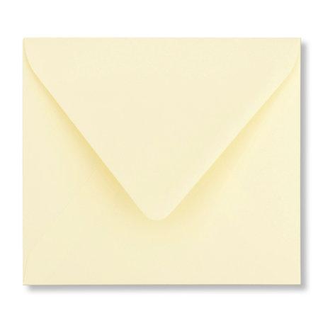 Envelop 12,5 x 14 cm Zachtgeel