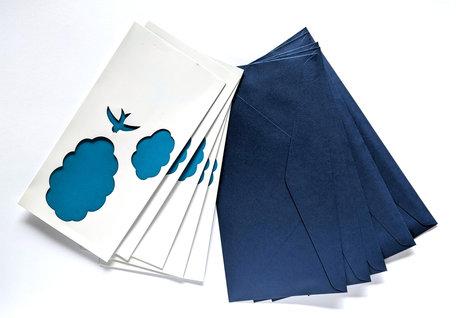 Dubbele kaart + envelop 11 x 22 cm donkerblauw 20 stuks