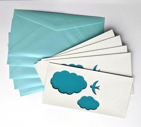 Dubbele kaart + envelop 11 x 22 cm lichtblauw 20 stuks