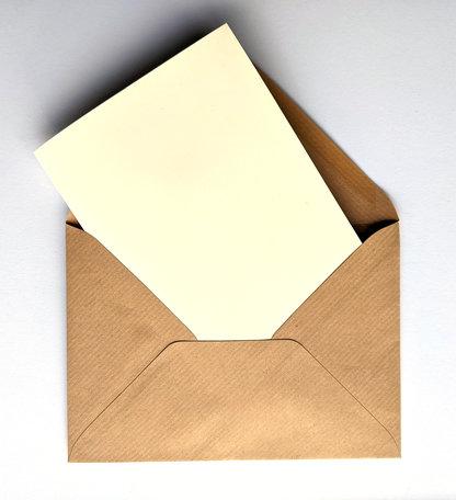 Dubbele kaart ivoor + envelop kraft bruin 11 x 15,6 cm 10 stuks