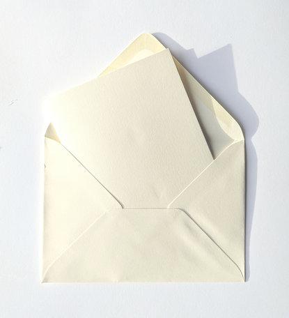 Dubbele kaart ivoor + envelop ivoor 11 x 15,6 cm 10 stuks