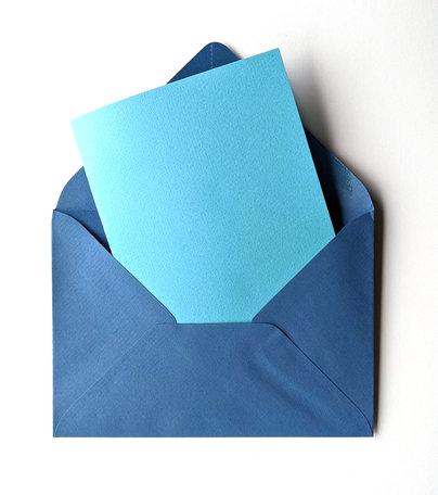 Dubbele kaart blauw + envelop donkerblauw 11 x 15,6 cm 10 stuks
