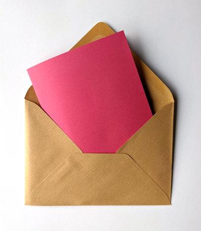 Dubbele kaart roze + envelop Kraft bruin 11 x 15,6 cm 10 stuks