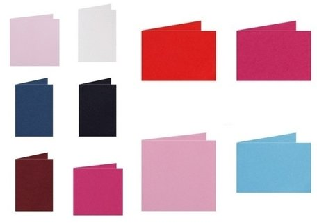 Gekleurde blanco kaarten staand Skin